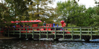 hermann-park-train-stops-houston-train-rides-kids