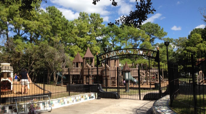 donovan-park-houston-heights-fortress-playground