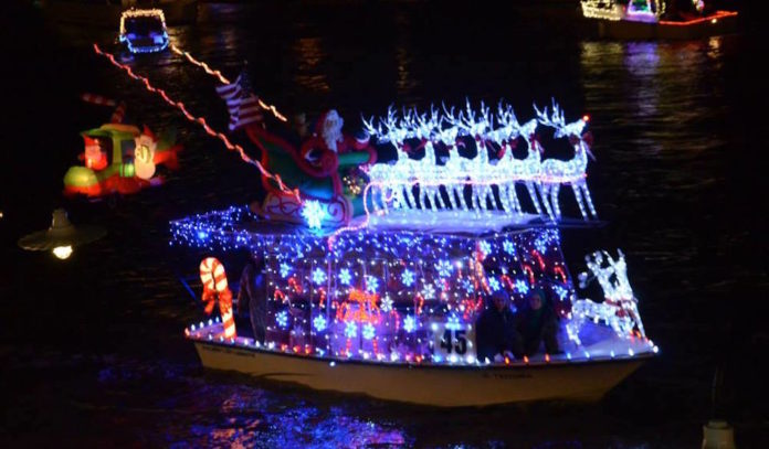 Christmas Boat.Christmas Boat Parade On Clear Lake 365 Houston