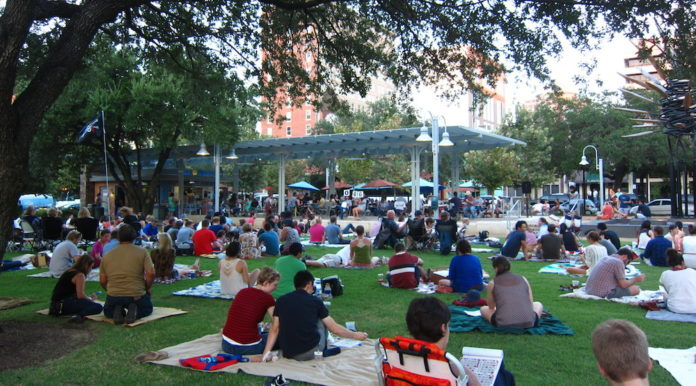 blanket-bingo-market-square-park-downtown-houston