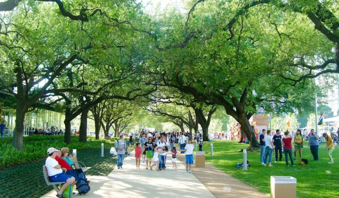 free-summer-activities-for-kids-in-houston-2015