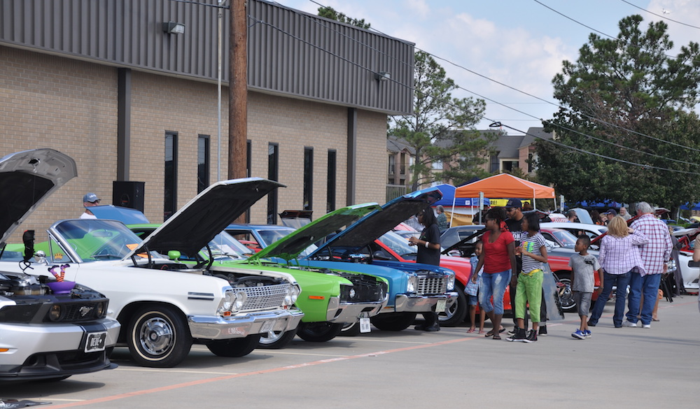 9th-annual-halloween-car-show-national-museum-of-funeral-history