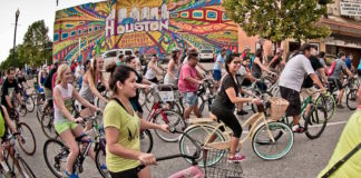 critical-mass-houston-bike-ride-2016