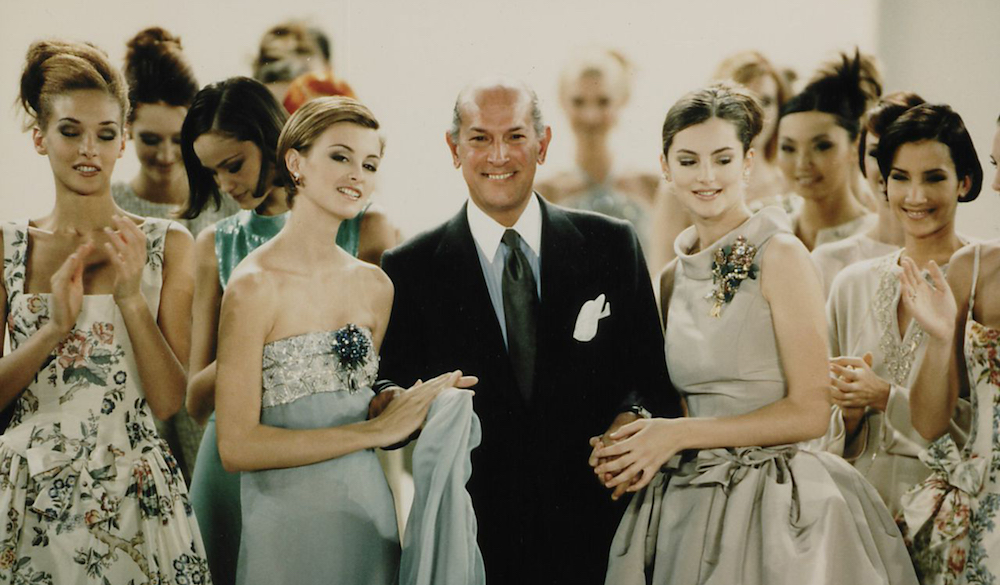 mfah-mixed-media-2017-2-Designer Oscar de la Renta poses with models