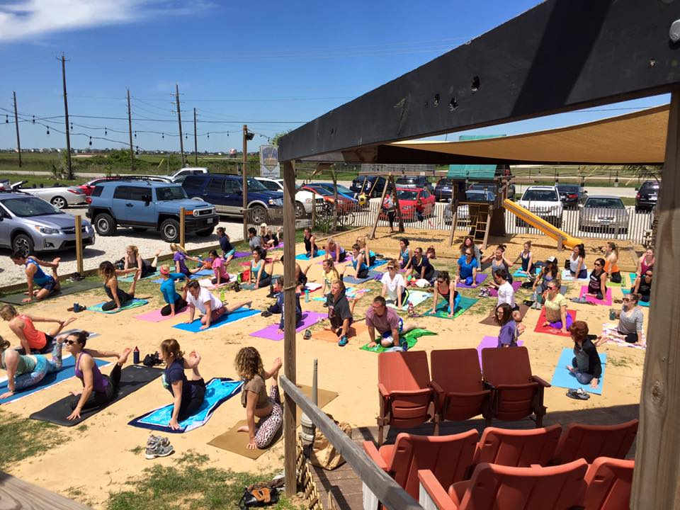 yoga-at-galveston-island-brewing