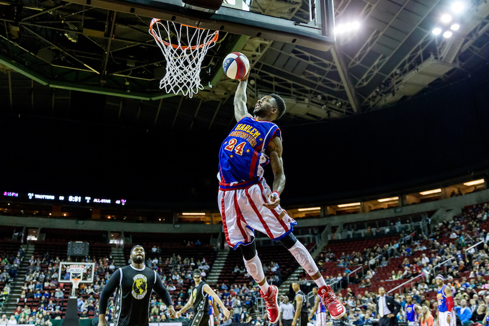 harlem-globetrotters-2018-tour-at-berry-center-northwest-houston