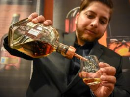 whiskies-of-the-world-the-ultimate-whisky-tasting-houston-2018-Woodford-Reserve