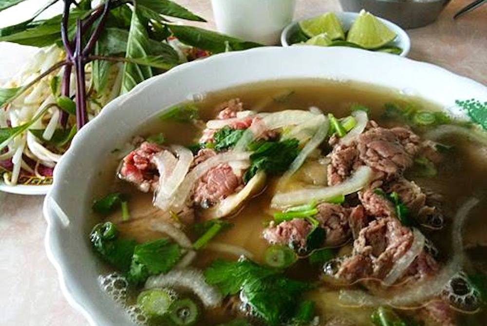 50-best-things-to-do-in-houston-texas-Pho-Binh