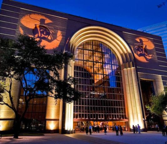 walkable-houston-the-theater-district