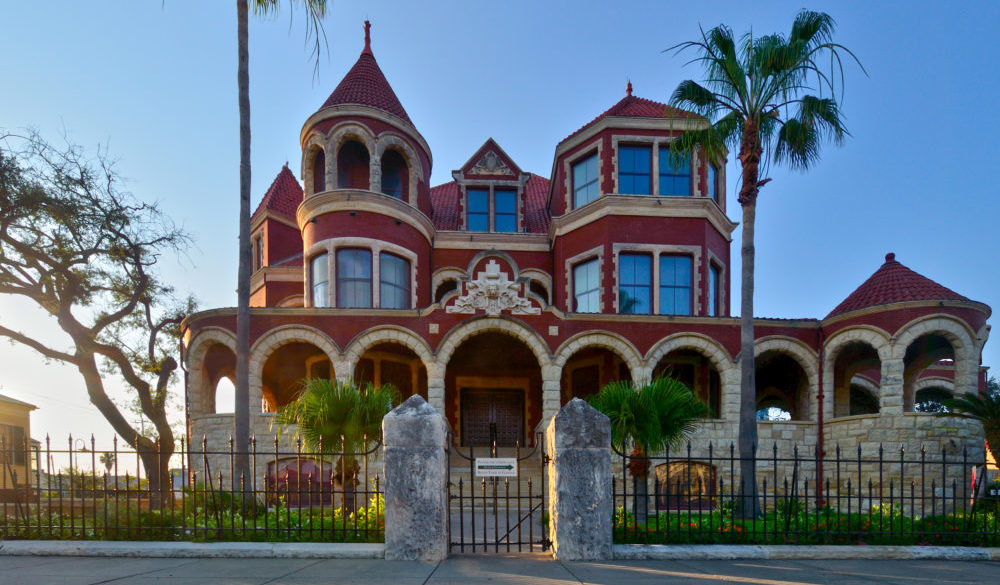 galveston-island-pass-discounted-admission-2019-moody-mansion