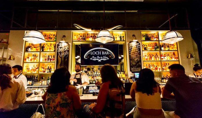 best-bars-near-river-oaks-district-houston-nightlife