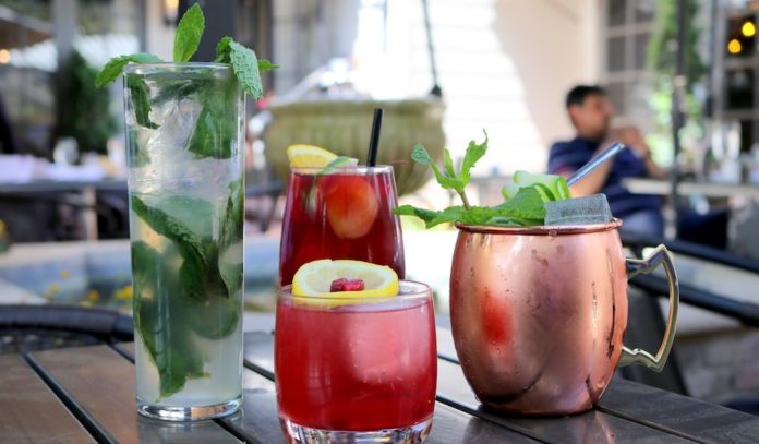 where-to-happy-hour-in-river-oaks-houston